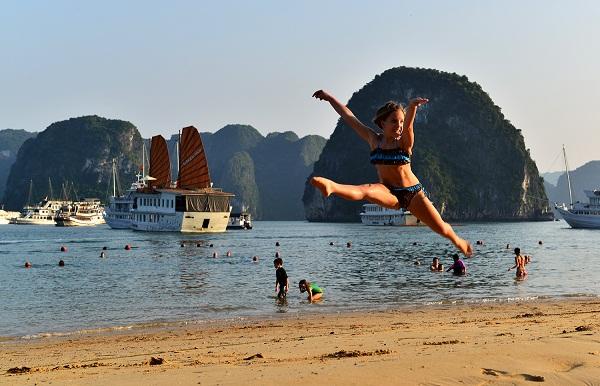 Tour Hạ Long - Cát Bà - Tuần Châu