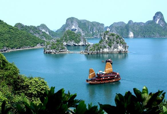 Tour du lịch Hà Nội - Vịnh Hạ Long 1 ngày