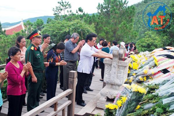 Tour Quảng Bình - Viếng Mộ Đại Tướng