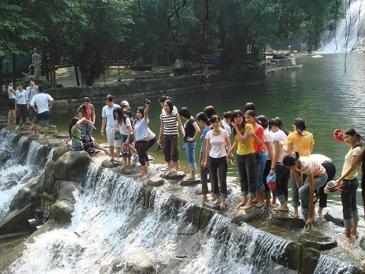 Tour Khoang Xanh - Suối Tiên