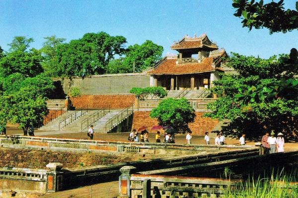 Tour du lịch Xuyên Việt: Hà Nội - Hội An - Đà Nẵng - Huế - Nha Trang - Đà Lạt - Sài Gòn 16 Ngày