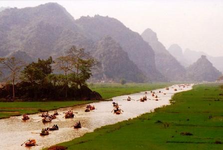 Tour du lịch Hà Nội - Chùa Hương 1 ngày
