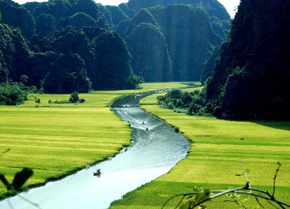 Tour Hoa Lư - Tam Cốc