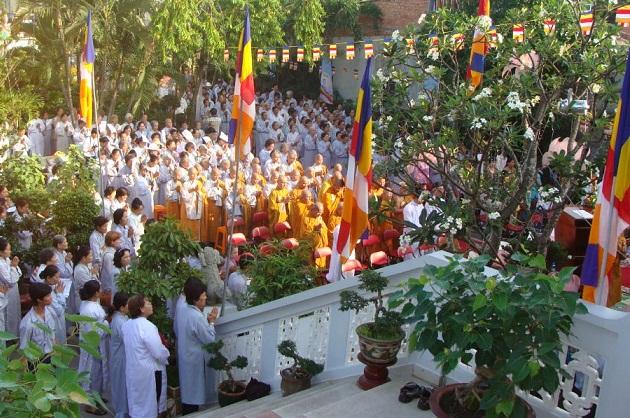 Tour du lịch Hà Nội - Đền Cửa Ông - Yên Tử 2 ngày / 1 đêm