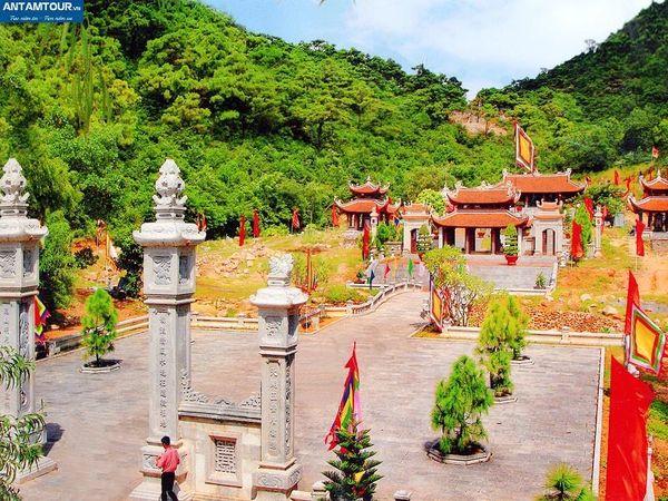 Tour du lịch Hà Nội - Yên Tử - Cửa Ông - Côn Sơn - Kiếp Bạc 2 ngày/1 đêm