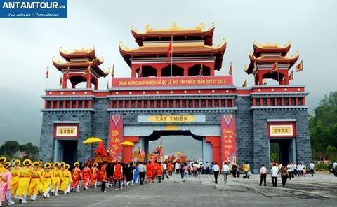 Tour Tây Thiên - Đền Thờ Hai Bà Trưng - Phủ Tây Hồ 1 Ngày